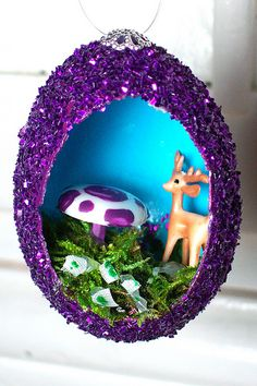 Tutorial for sparkly egg diorama ornaments! Happy Together Creates.