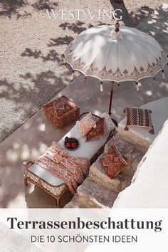 Wenn Ihr auf der Terrasse gemütlich Euren Nachmittagskaffee genießen und dabei entspannen möchtet, ohne dass die Sonne ihre Spuren hinterlässt, ist die richtige Beschattung ein Muss. Nicht nur Sonnenbrand ist ziemlich unangenehm. Auch Eure Gartenmöbel können mit der Zeit unter der exzessiven Sonneneinstrahlung leiden. Damit Eure Terrassenbeschattung zum restlichen Ambiente passt, haben wir die zehn schönsten Ideen zusammengestellt. // #westwing #mywestwingstyle #balkon #terrasse #sommer Marrakech, Design Your Home, House Design, Deco Spa, Cheap Artificial Plants, Look Boho, Estilo Boho, Bohemian Living, Gardens