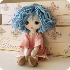 Boneca com cabelo armado! Fofa demais! Cute doll