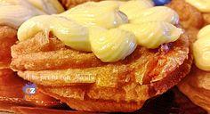Cosa c'è di più goloso delle Zeppole fritte? Addentare una base morbida fritta con della crema ed un'amarena, dovrebbe rientrare nelle meraviglie del mondo