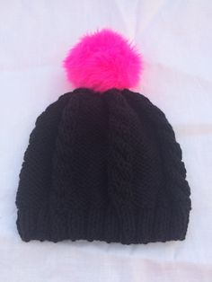 25%OFF Black knit cable hat Hot Pink Pom Pom par KnitSew4U sur Etsy