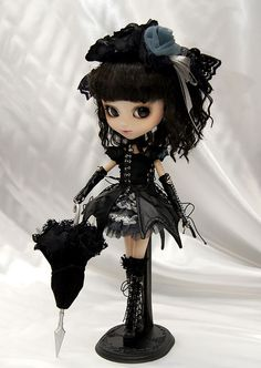 Gift Idea: Gothic Lolita Pullip Yuki by Joie ♥, via Flickr