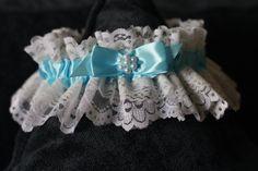 Blue Lace Bridal Garter \ Lace Toss Garter with Blue Ribbon and Pearls \ Custom Garter \ Prom Garter \ Plus Size Garter \ Traditional Garter