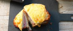 Croque monsieur - Recipe search - V-ZUG Ltd - Switzerland Bechamel Sauce, Grated Cheese, Recipe Search, Oven Recipes, Mets, Tray Bakes, Cooking Time, Switzerland, Stuffed Peppers