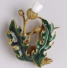 Queen Victoria's Baby Tooth Brooch, 1847.... cute, but kind of odd...