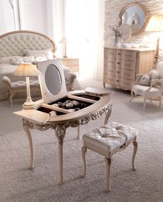 Luxurious Italian dressing table shown in antique ivory with lattice and rose detailing. Available in alternative colours including gold and silver leaf.