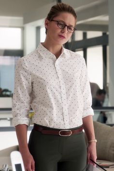 Kara Danvers / Supergirl wearing  L.A. Eyeworks Dap Frames in Tortoise, J. Crew New Boy Polka-Dot Cotton Shirt, Kate Spade Tiny Hudson Vachetta Leather Strap Watch