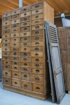 Old-BASICS - Landelijk antiek en Brocante - Homepagina Old BASICS landelijk antiek en Brocante loods en webwinkel met meubels en accessoires