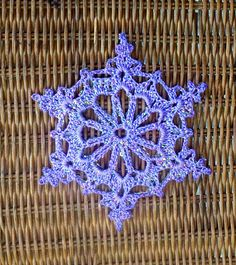 http://www.bhg.com/christmas/cards/crochet-a-snowflake-gift-topper/snowflake