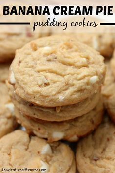 Banana Cream Pie Pudding Cookies - Bake - These Banana Cream Pie Pudding Cookies have the fresh taste of bananas and are so soft and chewy! Banana Cream Pudding, Banana Pie, Banana Pudding Recipes, Banana Pudding Cookies, Banana Cookie Recipe, Crinkle Cookies, Easy Cookie Recipes, Dessert Recipes, Trifle Desserts