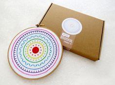 Kit de bordado, DIY Sampler moderno patron para bordar a mano, regalo para Crafter, Hygge bordados Kit, Kit de costura completo, bordado fácil