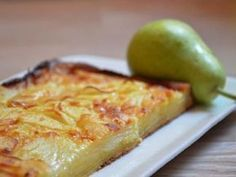 Apple-pear cake – Mandolin, the easy recipe - Recipes Easy & Healthy Mandoline, Mandolin Recipes, Mousse Au Chocolat Torte, Apple Deserts, Pear Cake, Bon Dessert, Apple Pear, Some Recipe, Beignets