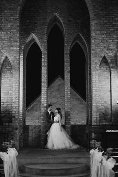 Van, Wedding Dresses, Fashion, Bride Dresses, Moda, Bridal Gowns, Fashion Styles, Weeding Dresses, Wedding Dressses