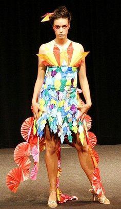 origami dress Origami Dress, Flower Fashion, Flower Dresses, Peplum Dress, Harajuku, Upcycle, Flowers, Tops, Design