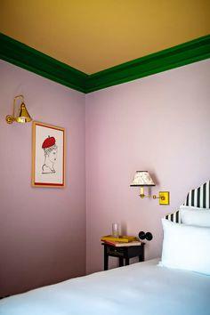 Design Hall, Flur Design, Edward Hall, Orange Curtains, Checkered Floors, Colored Ceiling, Dark Furniture, Pink Room, Bedrooms