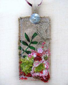 grrlandog: Tea Dance colgante completo de 1000 por fancypicnic en Flickr.  hecho de una tela impresa té ... maravillosa idea