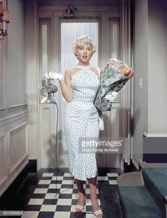 The Seven Year Itch - Publicity still of Marilyn Monroe - The Seven Year Itch . - The Seven Year Itch – Publicity still of Marilyn Monroe – The Seven Year Itch – Publicity st - Marilyn Monroe Outfits, Costume Marilyn Monroe, Style Marilyn Monroe, Fotos Marilyn Monroe, Marylin Monroe, Vintage Hollywood, Hollywood Glamour, Hollywood Actresses, Vestidos Vintage