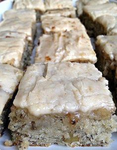 Banana Bread Brownies Recipe - Food.com rownies 1 1⁄2 cups sugar 1 cup sour cream 1⁄2 cup butter, softened 2 eggs 3 -4 bananas, mashed 2 teaspoons vanilla extract 2 cups all-purpose flour 1 teaspoon baking soda 3⁄4 teaspoon salt 1⁄2 cup walnuts, chopped (optional) Frosting 1⁄2 cup butter 4 cups powdered sugar 1 1⁄2 teaspoons vanilla extract 3 tablespoons milk