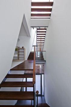 Folding Wall House by NHA DAN ARCHITECT