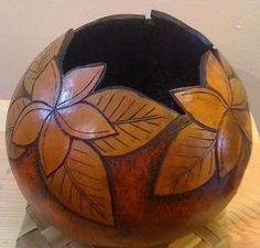 Gourd art, gourd sculpture, gourds, hawaiian gourd Hawaiian Crafts, Hawaiian Art, Decorative Gourds, Hand Painted Gourds, Coconut Shell Crafts, Gourds Birdhouse, Creation Deco, Gourd Art, Nature Crafts