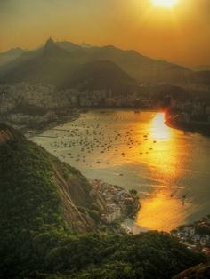 Brazil #rio de janeiro More beautiful #places pics at www.freecomputerdesktopwallpaper.com/wplacesten.shtml