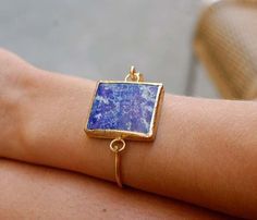 lapis lazuli bracelet on uncovet. I would love to have any piece of jewelry with lapis lazuli. Reminds me of Egypt! I Love Jewelry, Jewelry Box, Jewelry Bracelets, Jewelry Accessories, Fashion Accessories, Fashion Jewelry, Jewelry Design, Bangles, Jewelry Making