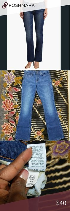 Lucky Brand Sofia Boot Blue Jeans Designer: Lucky Brand   Color: Blue   Size: 6 /28   Condition: Excellent Pre-Owned Condition      *See Photos For Details  *Check out my other item Lucky Brand Jeans Boot Cut