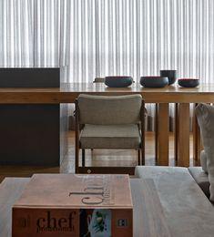 Estilo urbano, coração do interior. Veja: https://casadevalentina.com.br/projetos/detalhes/estilo-urbano,-coracao-do-interior-519 #decor #decoracao #interior #design #casa #home #house #idea #ideia #detalhes #details #casadevalentina #kitchen #cozinha