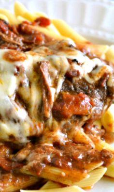 Crock Pot Italian Swiss Steak-Flour On My Face - Steak Recipes Crockpot Dishes, Crock Pot Slow Cooker, Crock Pot Cooking, Beef Dishes, Slow Cooker Recipes, Cooking Recipes, Slow Cooker Swiss Steak, Crock Pot Steak, Oven Steak
