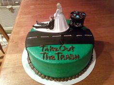 Divorce Cake - Hah @mmartis we will definitely be needing one of these...