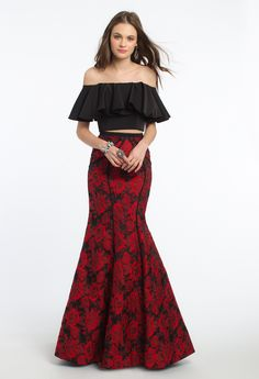 d906def84950 Spice up your style with this fun evening gown! The two piece dress style