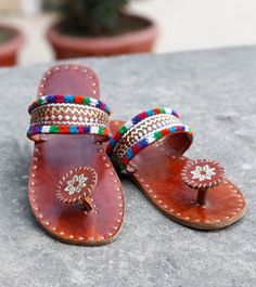 Boho sandals, summer shoes ideas to buy this season. Boho Sandals, Shoes Sandals, Heels, Beaded Sandals, Leather Sandals, Cute Shoes, Me Too Shoes, Hipster Shoes, Estilo Hippie