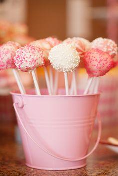 Pink Cake Pops!