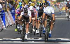 Gallery 2013: Through the lens of Roberto Bettini - Marcel Kittel beats Mark Cavendish by the smallest of margins in the Tour de France stage 12