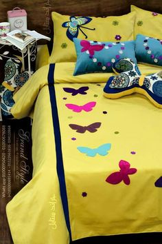 Bed Sheet Painting Design, Fabric Painting, Sewing Fitted Sheets, Bed Sheet Curtains, Kids Bed Sheets, Designer Bed Sheets, Bow Pillows, Painted Beds, Fabric Paint Designs