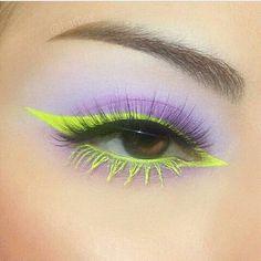 Cute Makeup Looks, Makeup Eye Looks, Eye Makeup Art, Colorful Eye Makeup, Pretty Makeup, Skin Makeup, Eyeshadow Makeup, Cat Eye Eyeliner, Punk Makeup