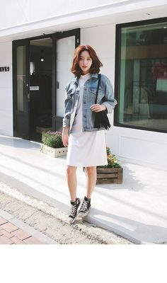 Ideas For Korean Fashion Jeans Casual Asian Style Korean Fashion Trends, Korean Street Fashion, Korea Fashion, Asian Fashion, Denim Fashion, Look Fashion, Trendy Fashion, Fashion Outfits, Girl Fashion