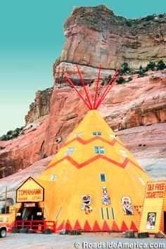 A distinctive giant tee pee lures drivers into pulling off for a look -- and maybe a browse at the Tee Pee Trading Post. Route 66 Arizona, Old Route 66, Route 66 Road Trip, Historic Route 66, Arizona Travel, Arizona Trip, Western Signs, Unusual Buildings, Roadside Attractions