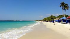 Playa Blanca in Baru is one of the most famous places to go and spend a beach day near Cartagena. Read here the easiest way to get to Playa Blanca from Cartagena. Cabo San Lucas, Canada Winter, Videos Mexico, Travel Destinations, Travel Tips, Destin Beach, Famous Places, Beach Pictures, Travel Inspiration