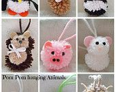 Artículos similares a Pom pom hanging Animals in 10 designs en Etsy