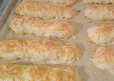 Κασερολοκούλουρα Cheese Pies, Cooking Time, Hot Dog Buns, Sushi, Sausage, Brunch, Dairy, Snacks, Breakfast