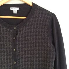 Beautiful houndstooth sweater Closet Rules: No Holds or Trades Same Day or Next Day Shipping All Items are in Gently Used Condition Unless Stated Otherwise Willow bay Sweaters