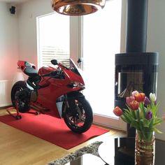 Living Room Goals! #ducatistagram #ducati #899 #panigale