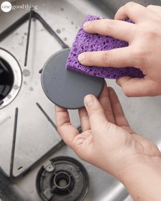 Outstanding Cleaning tips hacks are offered on our site. Read more and you wont be sorry you did. Deep Cleaning Tips, House Cleaning Tips, Cleaning Solutions, Cleaning Hacks, Cleaning Supplies, Cleaning Items, Cleaning Spray, Cleaning Products, Diy Hacks