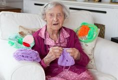 """Grace Brett is 104 and possibly the country's oldest street artist. She and other women in Scotland have formed a team of """"guerrilla knitters."""" They have decorated local landmarks with crochet and knitted art. Knit Art, Old Street, Yarn Bombing, Freeform Crochet, Street Artists, Natural Looks, Year Old, Textile Art, A Team"""