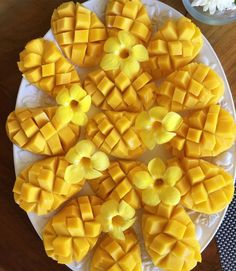 deliciously sliced mangos