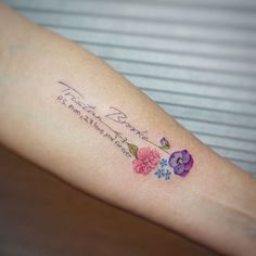 I love you mom – foot tattoos for women flowers Tattoos For Women Flowers, Foot Tattoos For Women, Tattoos For Kids, Tattoos For Daughters, Trendy Tattoos, Small Tattoos, Flower Tattoos With Names, Mommy Tattoos, Baby Tattoos