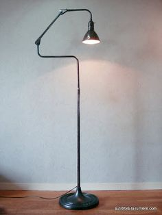 1000 images about autrefois la lumi industrial lamp 39 s on pinterest bureaus appliques. Black Bedroom Furniture Sets. Home Design Ideas