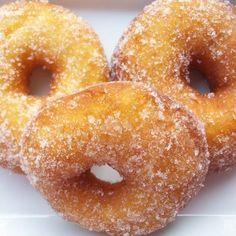 Donuts χωρίς γλουτένη αλλά με φοβερή γεύση Gluten Free Recipes, Doughnut, Free Food, Donuts, Vegan, Sweet, Desserts, Glutenfree, Postres