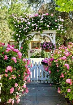 english garden oh how beautiful is this old English cottage garden with its white picket fence and trellis burgeoning with all things pink! White Garden Fence, White Picket Fence, Garden Gates, Garden Archway, Garden Entrance, Picket Gate, Archway Decor, Box Garden, Driveway Entrance